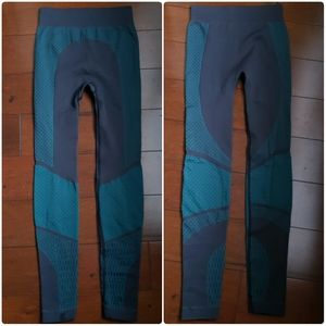 Lululemon Tights Green Grey Size 2